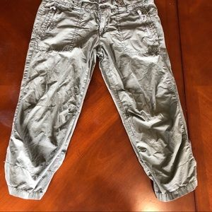 AE cropped pants sz 4